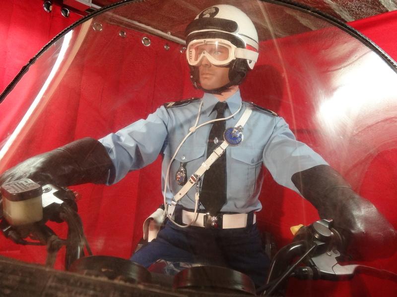 Reconstitution d'un motard gendarme sur sa BMW R80rt Dsc04119