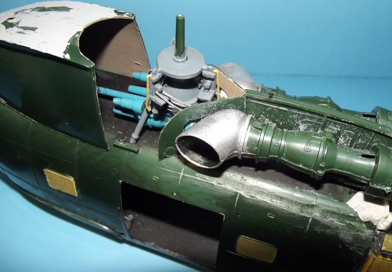"""SA 330 PUMA """"Hélicoptères BLUGEON"""" Revell 1/32 Dscf5921"""