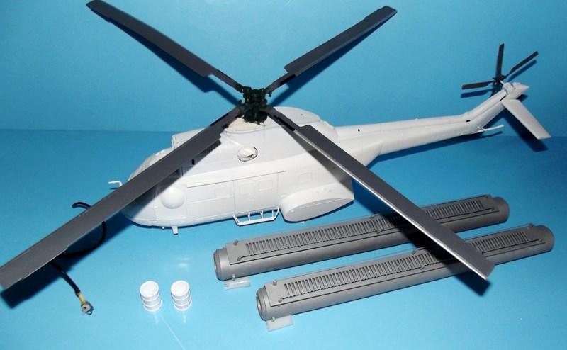 """SA 330 PUMA """"Hélicoptères BLUGEON"""" Revell 1/32 Dscf5935"""