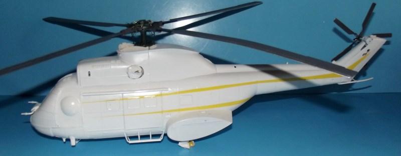 """SA 330 PUMA """"Hélicoptères BLUGEON"""" Revell 1/32 Dscf5941"""