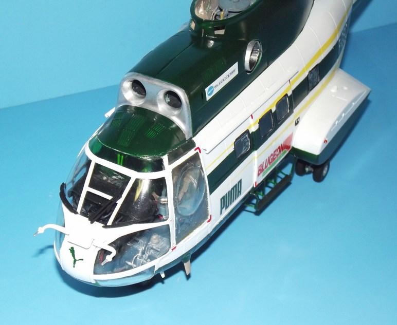 """SA 330 PUMA """"Hélicoptères BLUGEON"""" Revell 1/32 Dscf6011"""