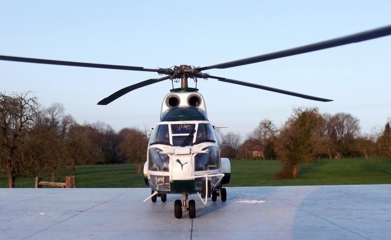 """SA 330 PUMA """"Hélicoptères BLUGEON"""" Revell 1/32 Dscf6039"""
