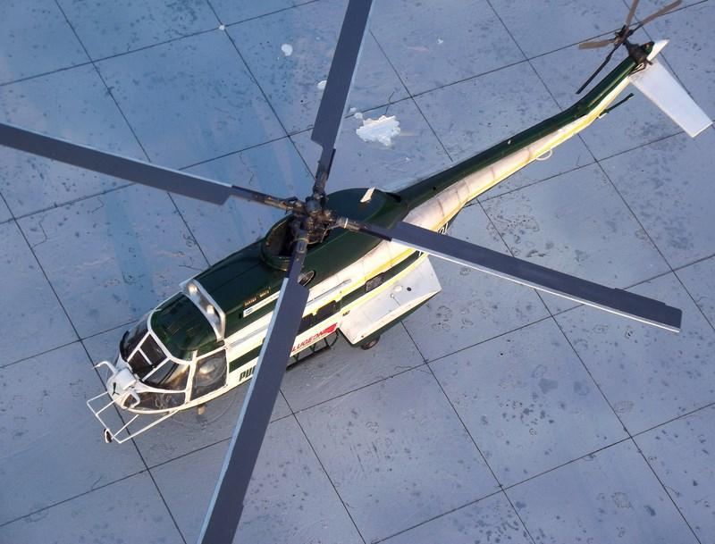 """SA 330 PUMA """"Hélicoptères BLUGEON"""" Revell 1/32 Dscf6047"""