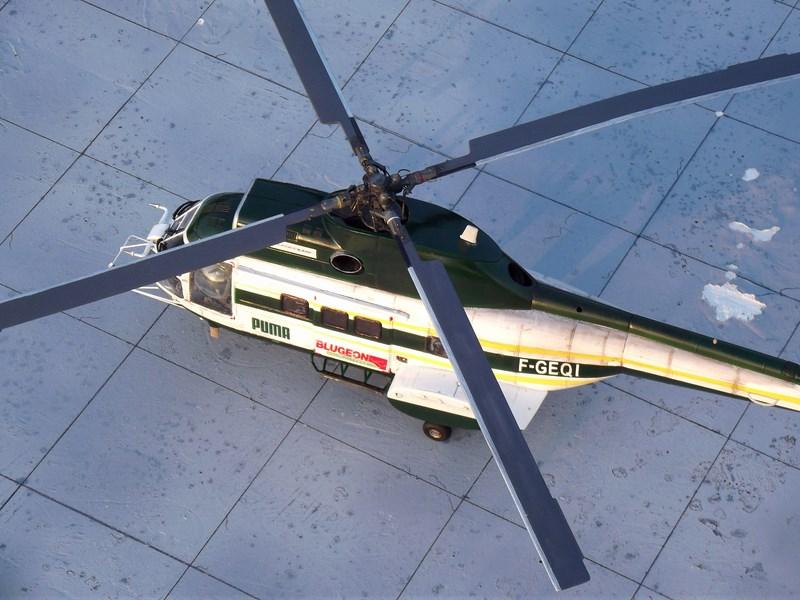 """SA 330 PUMA """"Hélicoptères BLUGEON"""" Revell 1/32 Dscf6048"""