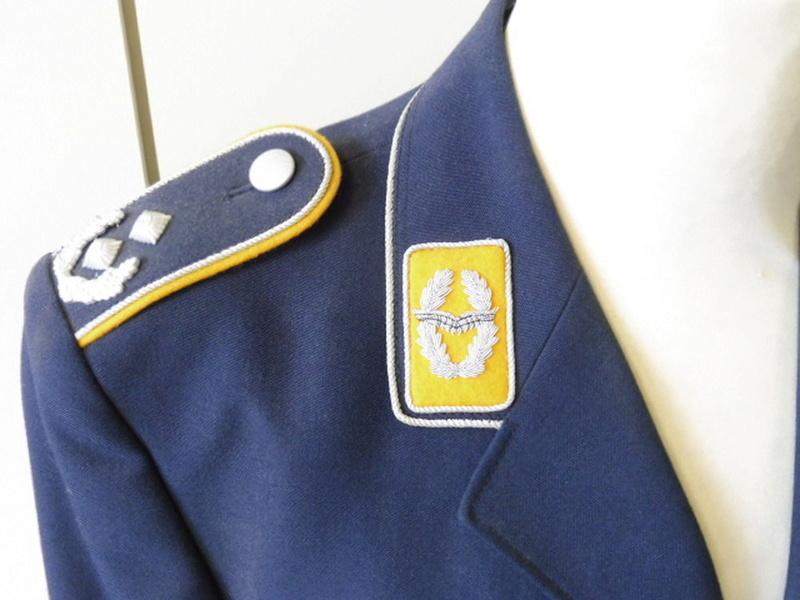Authentification pattes d'épaule et insigne Bundes10