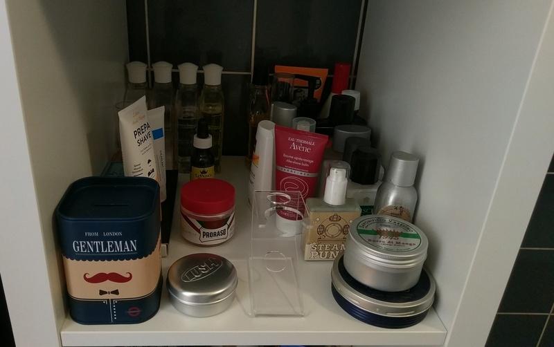 Photos de votre armoire spéciale rasage (ou de la partie réservée au rasage) - Page 27 Imag3710