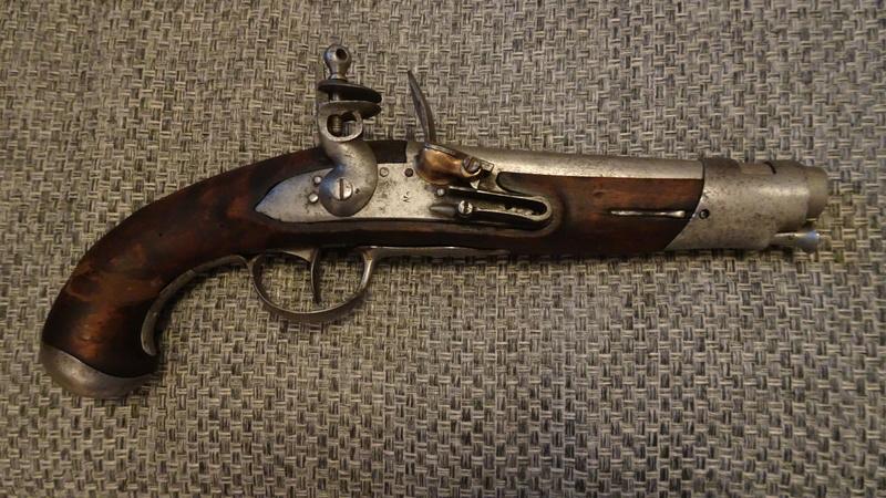 pistolet à silex fin XVIIIème style maréchaussée Dsc01312