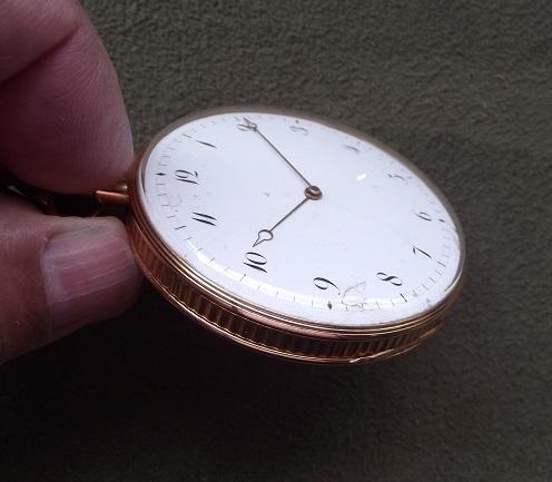 Feu sur les montres de famille (papa, pépé, mémère etc) Dscf1112