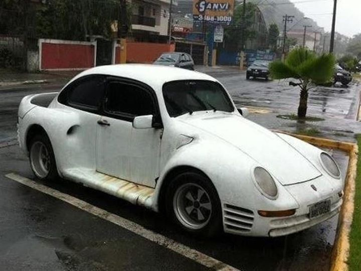 Porsche drôle/insolite - Page 13 0948a210