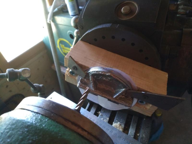 Pièce cassée sur Scie à ruban Kity 612 - Page 3 Img_2049