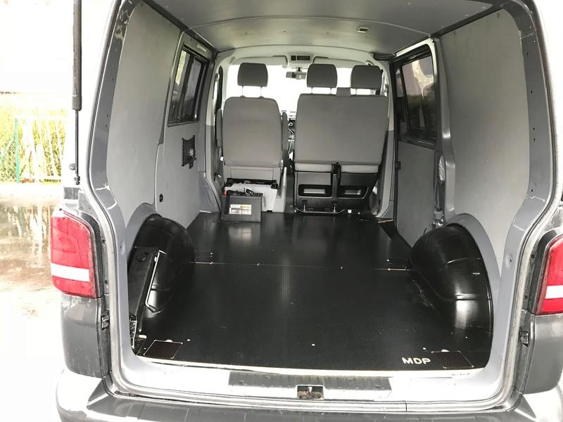 Plancher bois T5 antidérapant +Anneaux d'arrimages + protections passages de roue  Img_0314