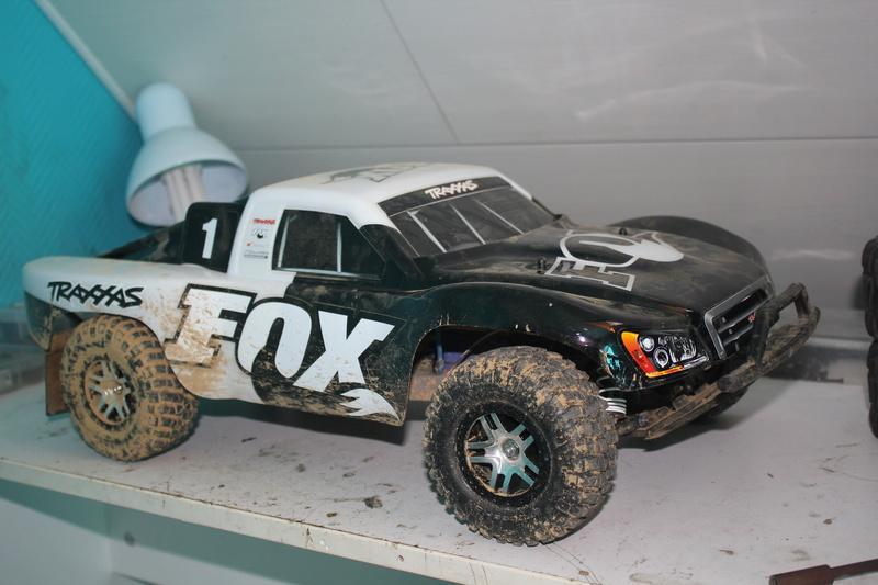 Slash 4x4 Fox édition  Img_9511