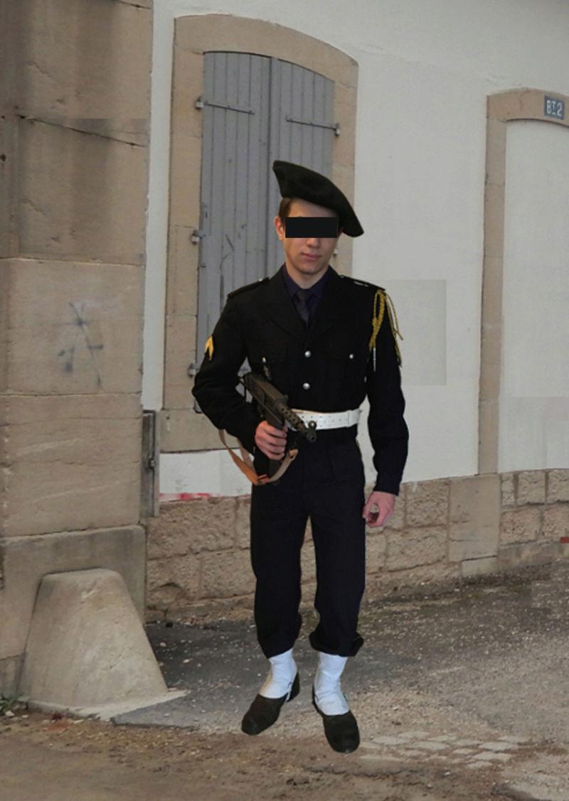Chasseur du 25ème BCA en Algérie. Casern11