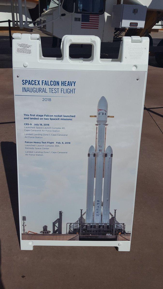 Falcon Heavy (Tesla roadster) - Tir de démonstration - 6.2.2018 - Page 12 1127