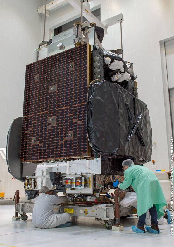 Ariane 5 ECA VA242 (Superbird 8/DSN 1 & HYLAS 4) - 05.04.2018 1171