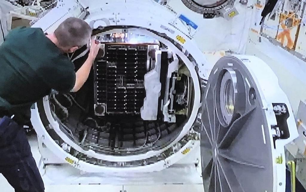 RemoveDEBRIS, le nettoyeur de débris spatiaux 1264