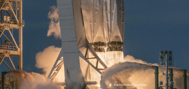 Falcon Heavy (Tesla roadster) - Tir de démonstration - 6.2.2018 - Page 12 231
