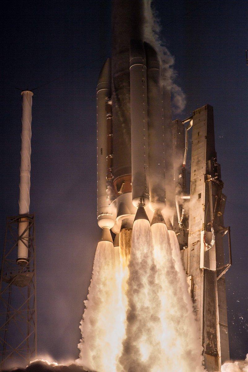 Atlas V 551 (AFSPC-11) - 14.4.2018 326