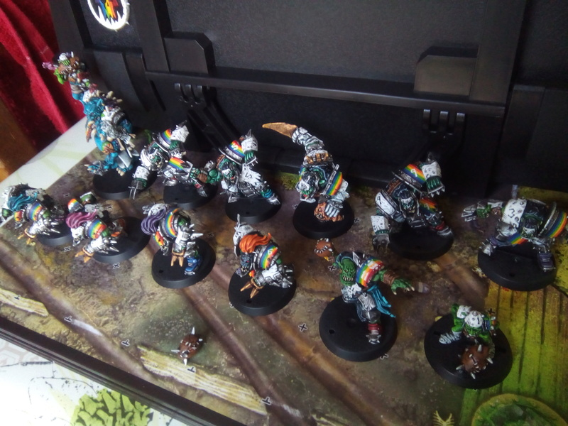 Rainbow Warriorks / Ork BloodBowl Team Project - Page 2 Famous11