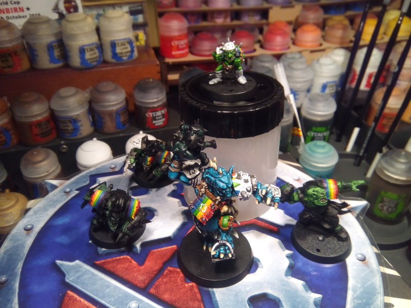 Rainbow Warriorks / Ork BloodBowl Team Project The_co11