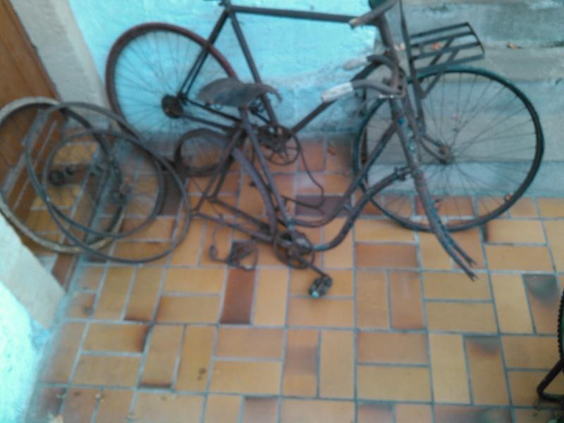 vélo J-B Louvet années 10/20 Kimg0020