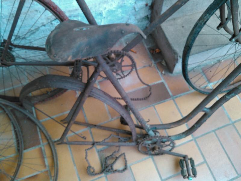 vélo J-B Louvet années 10/20 Kimg0021