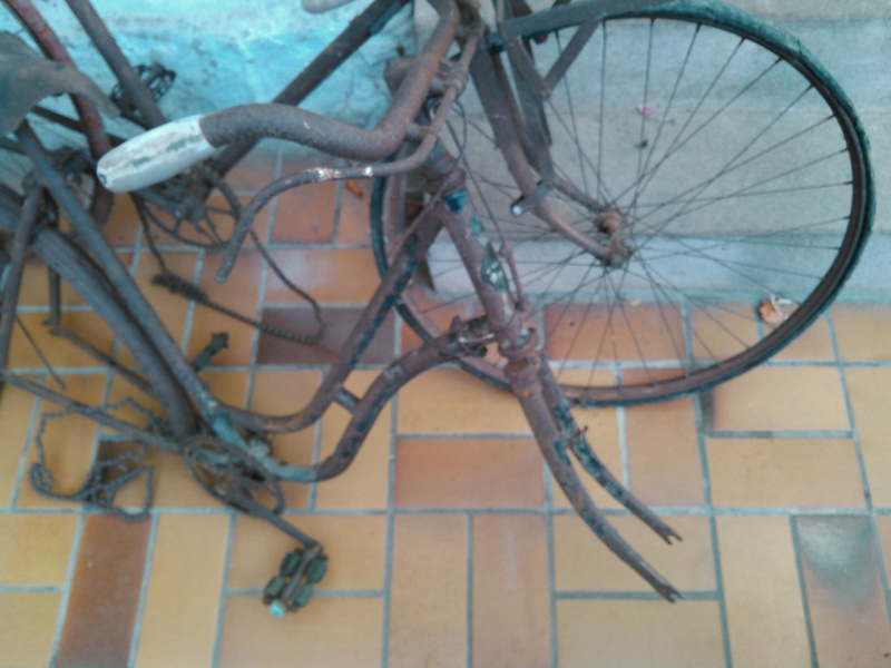vélo J-B Louvet années 10/20 Kimg0022