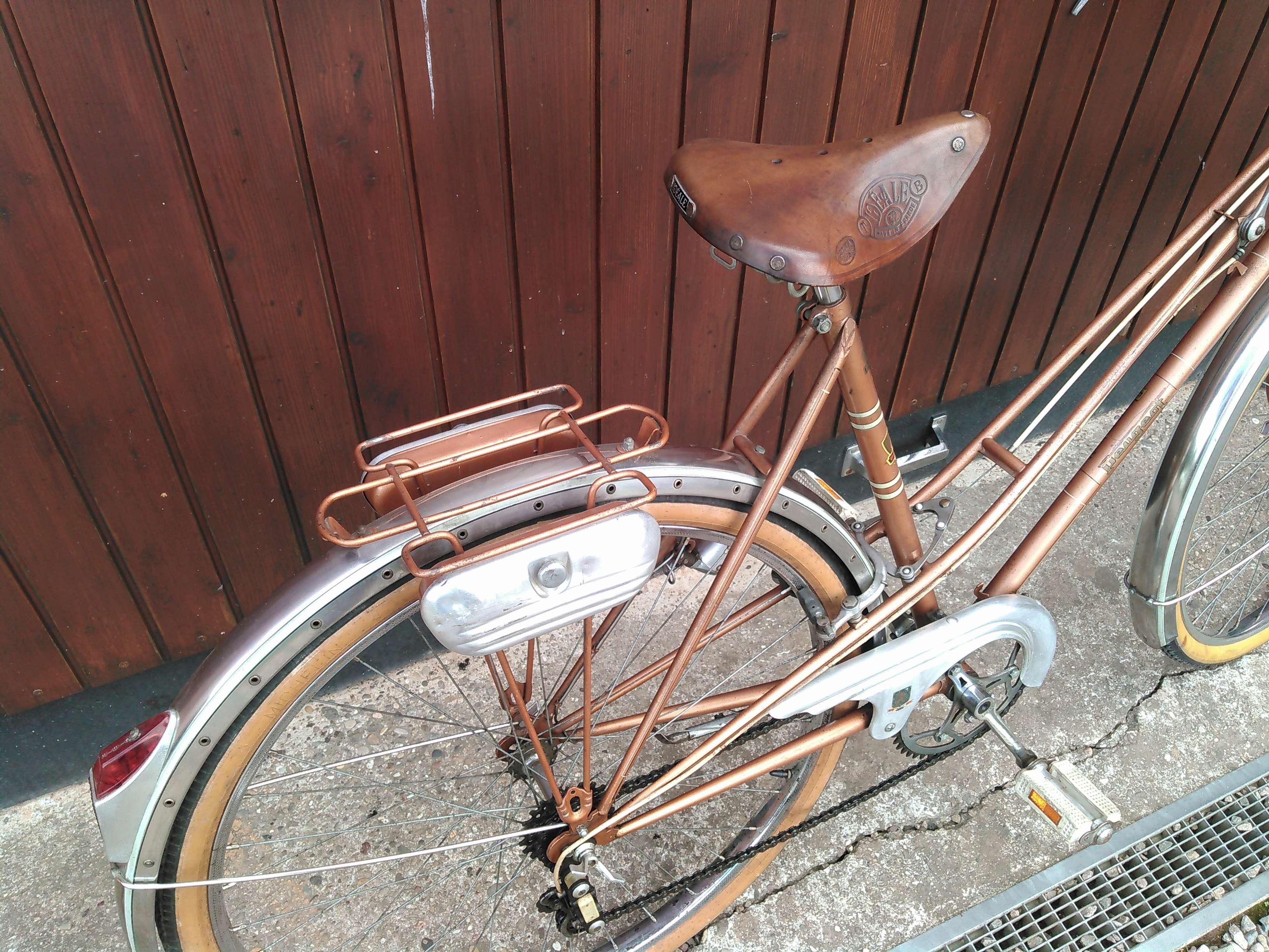 Peugeot début 1960 très bien conservé Kimg0227