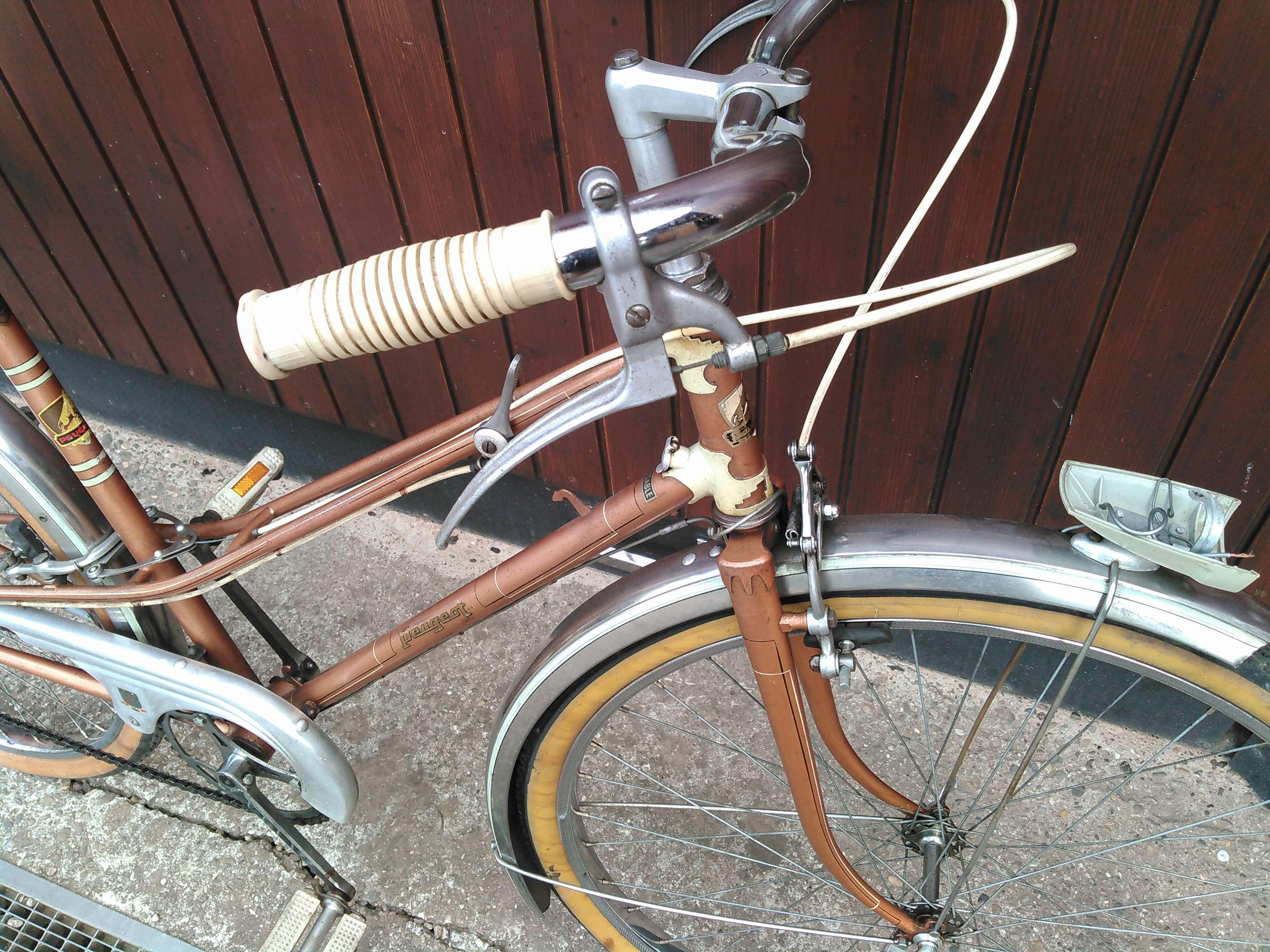 Peugeot début 1960 très bien conservé Kimg0228