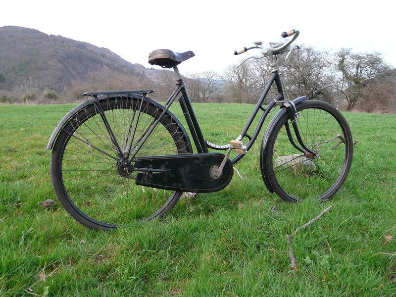 Superbe cycles Peugeot Majolie 1940 P1120111