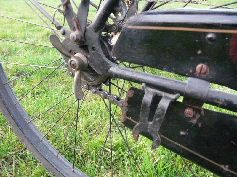 Superbe cycles Peugeot Majolie 1940 P1120112