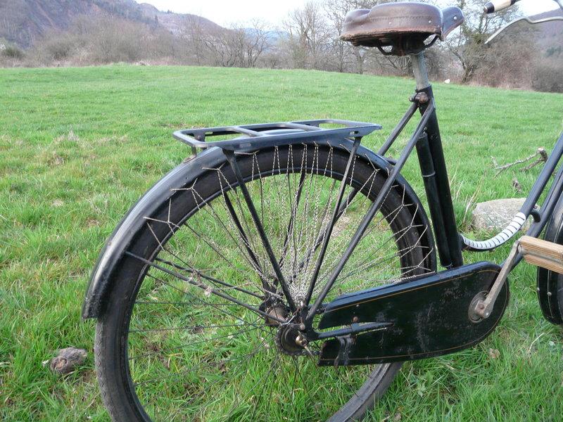 Superbe cycles Peugeot Majolie 1940 P1120114