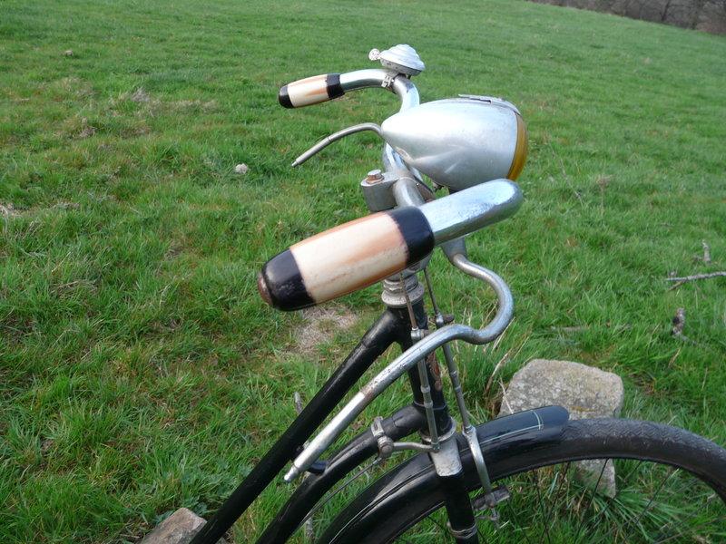 Superbe cycles Peugeot Majolie 1940 P1120121