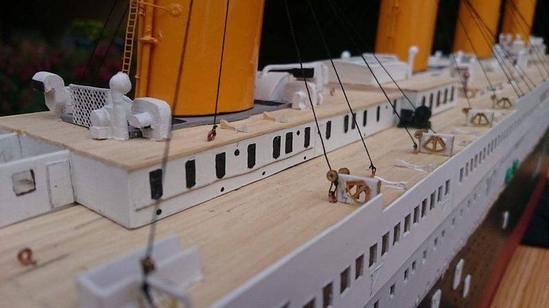 Titanic 1/200 par un fou ... Img_0910