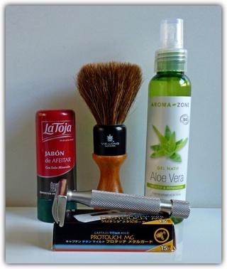 Défi ! Une semaine de rasage avec les mêmes produits  - Page 3 P1070121