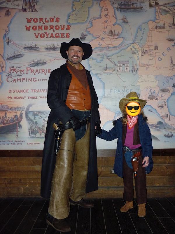 [Dîner-spectacle] La Légende de Buffalo Bill ... avec Mickey et ses amis ! - Page 36 Jesse_10