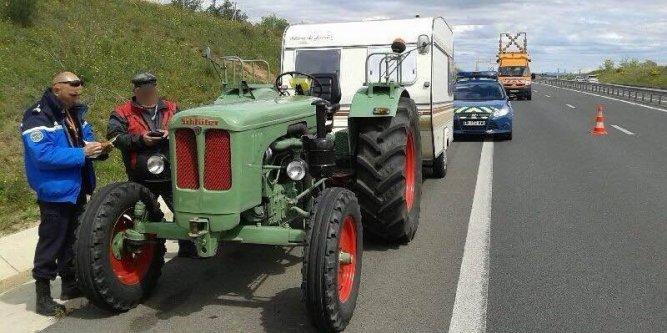 Photographiez des tracteurs ! - Page 2 Les-vo10