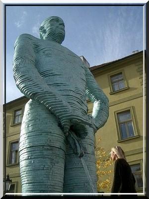 Les sculptures les plus insolite  - Page 5 427