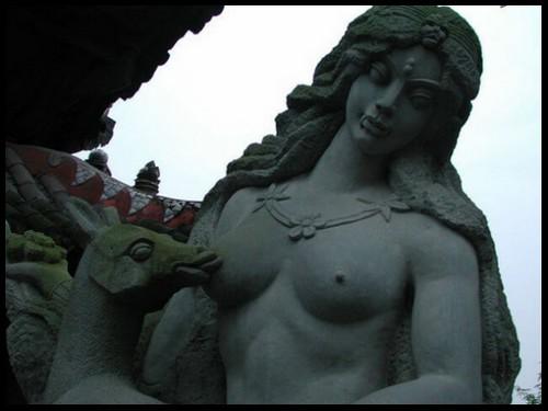 Les sculptures les plus insolite  616