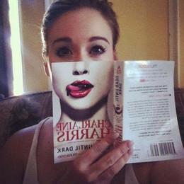 le Book Face Book_f15