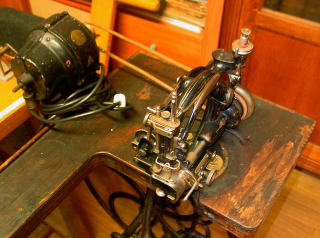 Quizz Quelle est cette petite machine montée sur cette table à grande roue ?  W-g-ta12