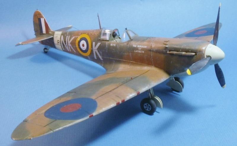 "Spitfire MkIIa "" The borough of Lambeth"" 0212"