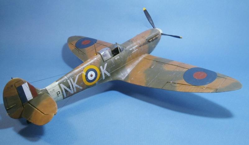 "Spitfire MkIIa "" The borough of Lambeth"" 0412"