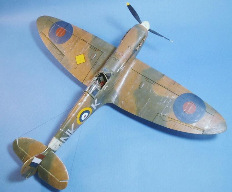 "Spitfire MkIIa "" The borough of Lambeth"" 0612"