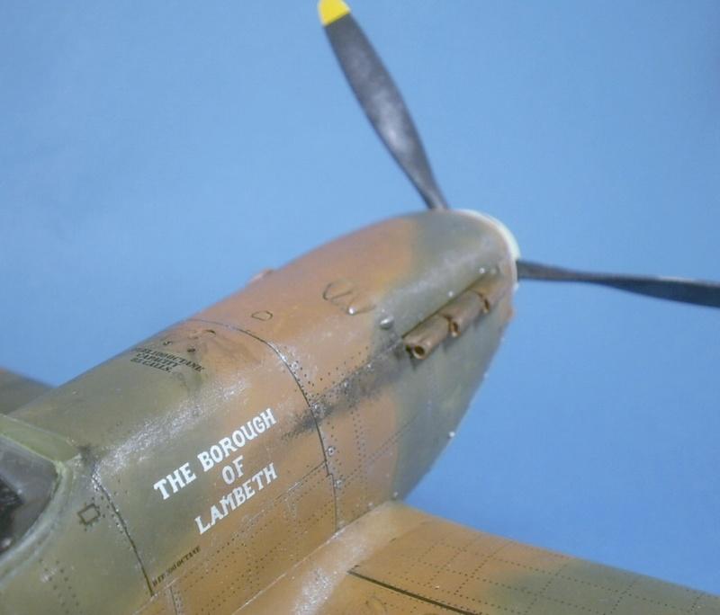 "Spitfire MkIIa "" The borough of Lambeth"" 0911"