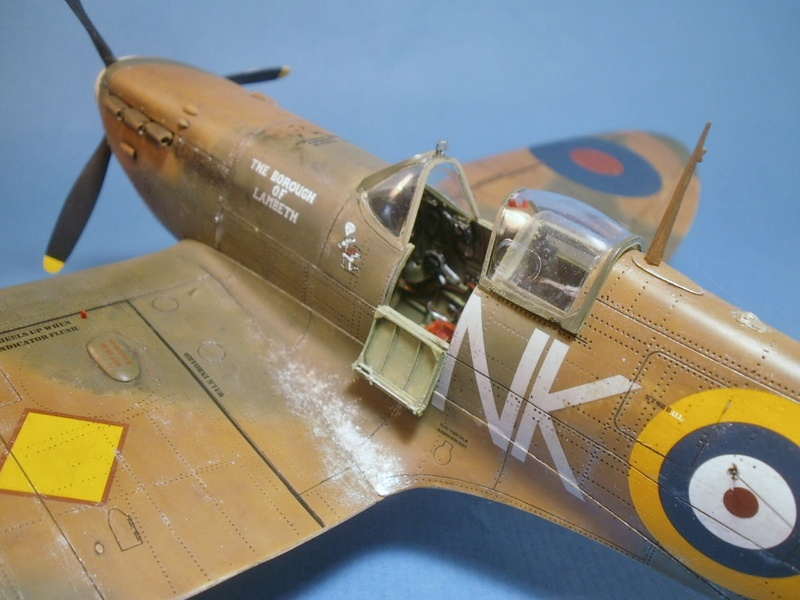 "Spitfire MkIIa "" The borough of Lambeth"" 1011"