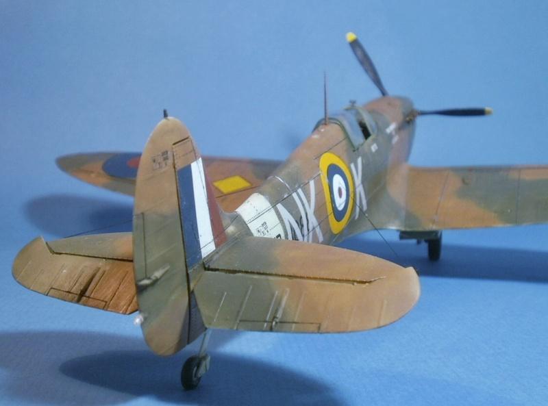 "Spitfire MkIIa "" The borough of Lambeth"" 1210"