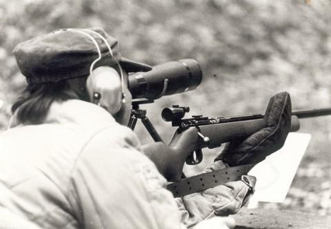 Brno Mod. 4 - une carabine .22 LR réglementaire de la Guerre froide - Page 3 Svazar12