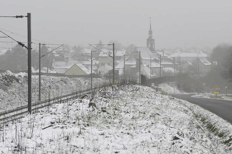 En Images. A l'est de Rennes, on se réveille une nouvelle fois sous la neige 87d40510