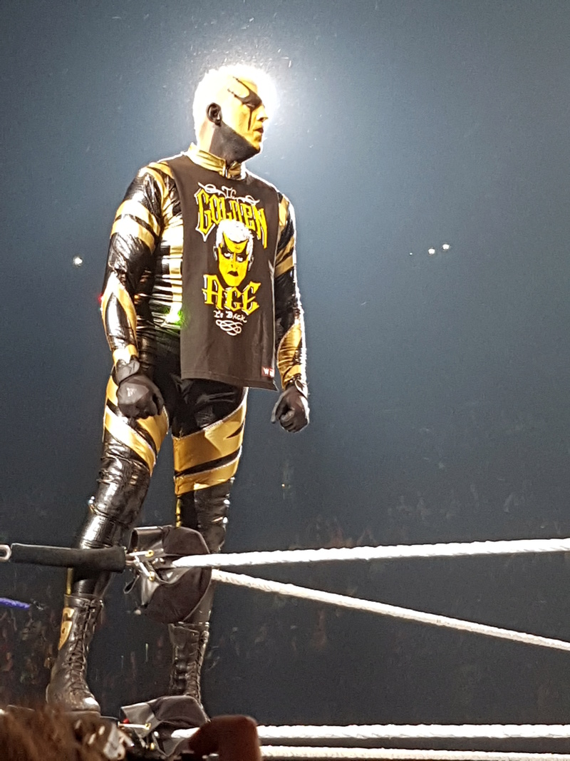 PHOTOS WWE LIVE EVENT PARIS 2018 Goldus10